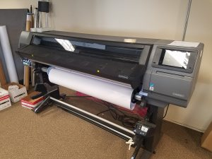 Scottsdale Banner Printing HP 360 6522 Large Format Printer client 300x225
